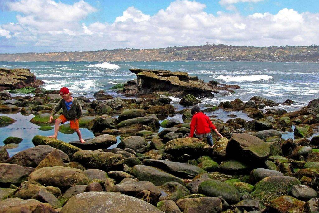 playas niños costa brava