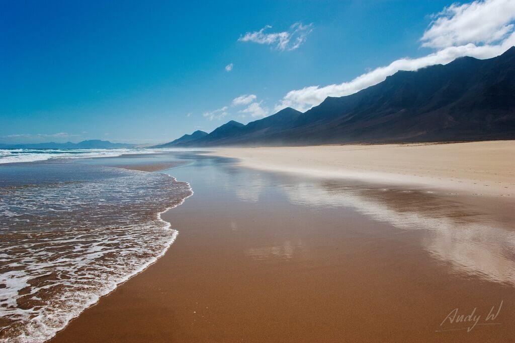 playa mas cercana a sevilla